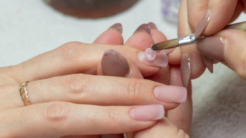Remplissage gel + Semi-permanent couleurs 40€